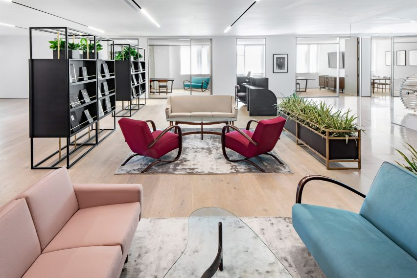 spring-place-beverly-hills-interiors-coworking-california-usa_dezeen_2364_col_5-852×568